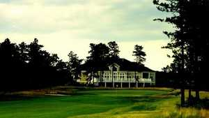 Pine Ridge GC: Clubhouse
