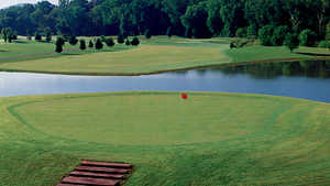 Forrest Crossing GC: island green