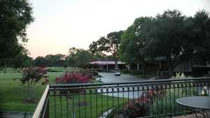 Pine Forest CC: Clubhouse