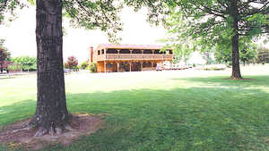 Creekwood GC: clubhouse