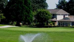 Summerfield GCC: Clubhouse & #9