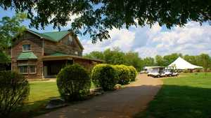 Cedar Crest GC: Clubhouse