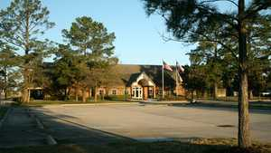 Gleannloch Pines GC: Clubhouse