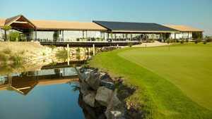 Lumine GC - Lakes: Clubhouse