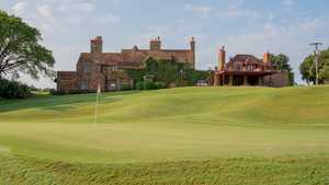 Hawk's Creek GC: clubhouse
