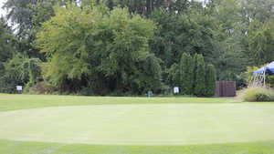 West Shore GCC: Practice green