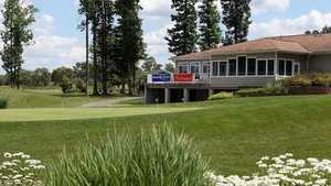 Emerald at Maple Creek GC: clubhouse