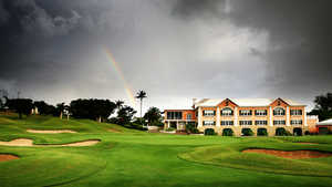 Riddell's Bay: Rainbow over the 18th hole