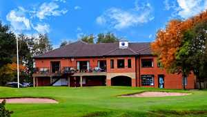 Ashton-under-Lyne GC: the clubhouse