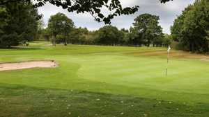 Helsby GC: 8th green