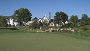 Chevy Chase CC: #18 & clubhouse