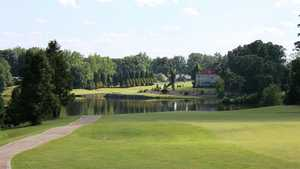 Greensboro National GC: #18 Lake