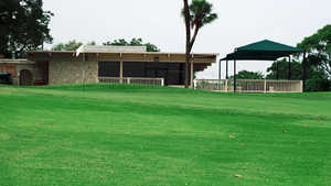 Willow Springs GC: clubhouse