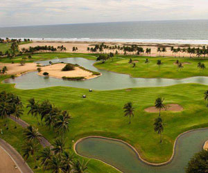 2 Night/3 Day Stay & Play at Estrella del Mar