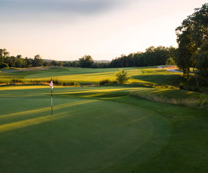 Late Spring Stay & Play Packages